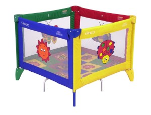 Graco-TotBloc-Pack-N-Play-Playard-with-Carry-Bag-300x229